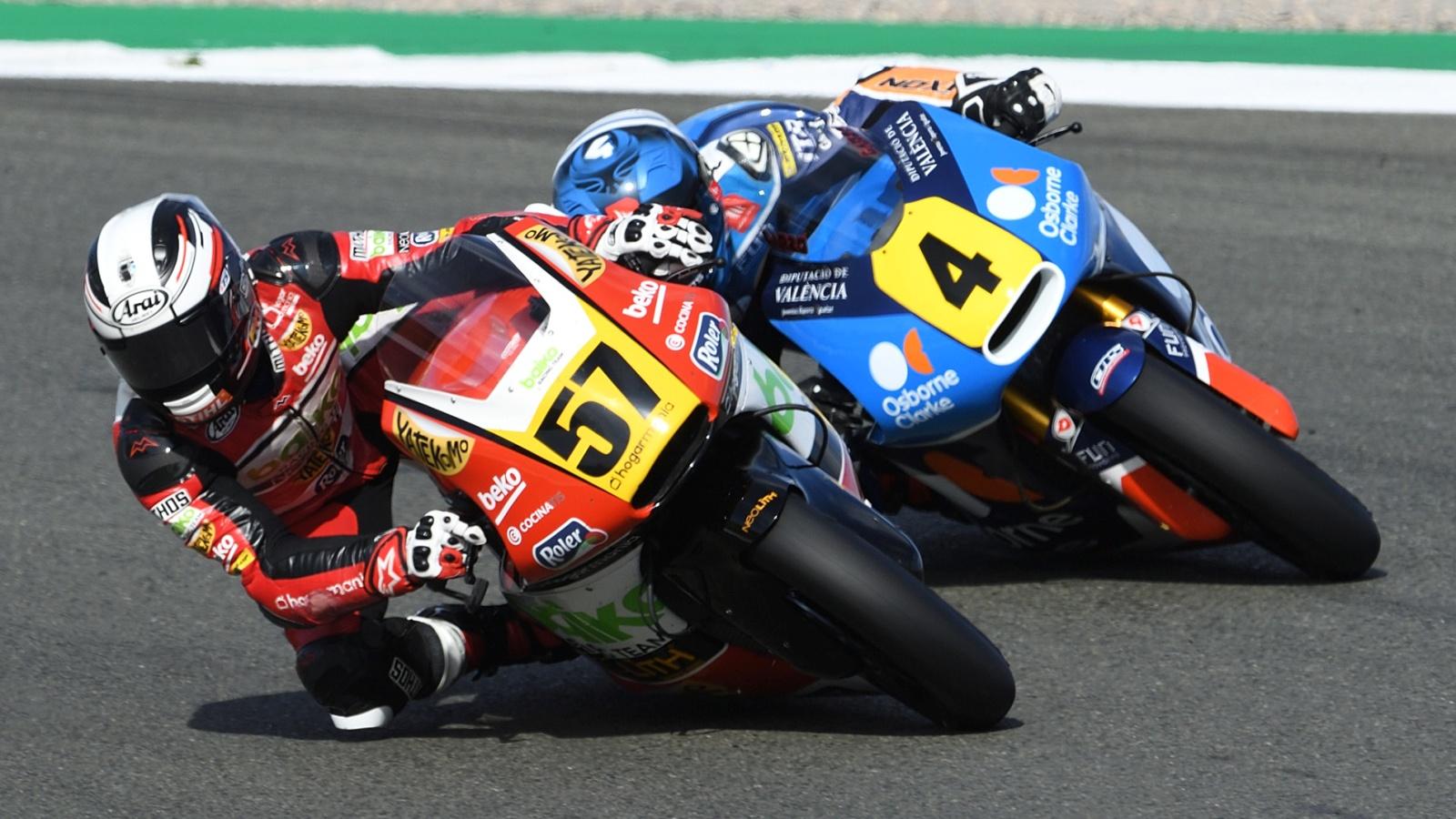 Edgar Pons bate a Héctor Garzó en el cierre del Europeo de Moto2 2019 en Valencia