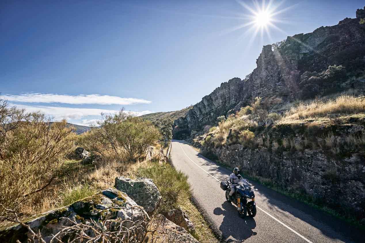 Ruta por Toledo con la Yamaha Niken