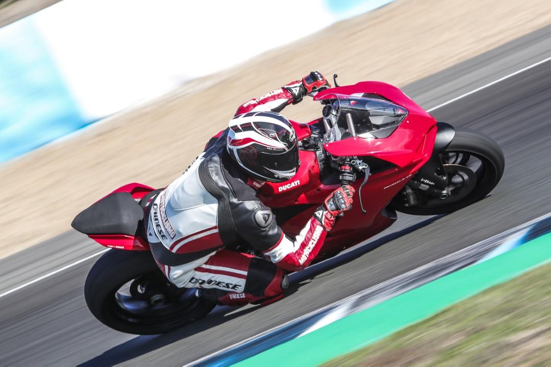 Ducati Panigale V2 2020, prueba, ficha técnica y primeras impresiones