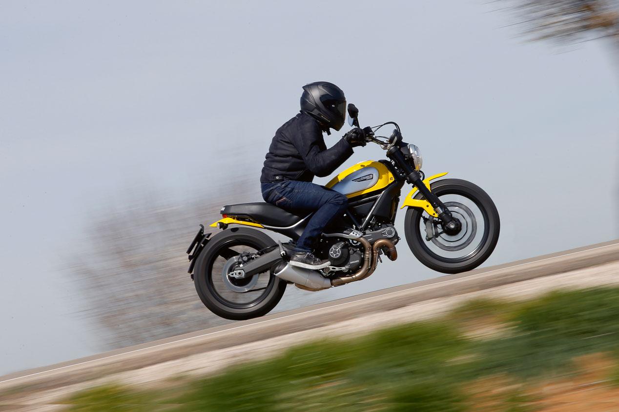 Cómo regular la precarga de tu moto