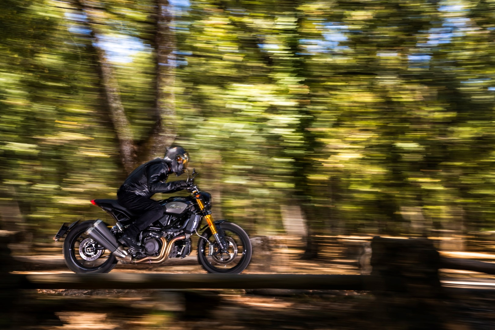 Indian FTR 1200 S, superprueba, fotos y ficha técnica