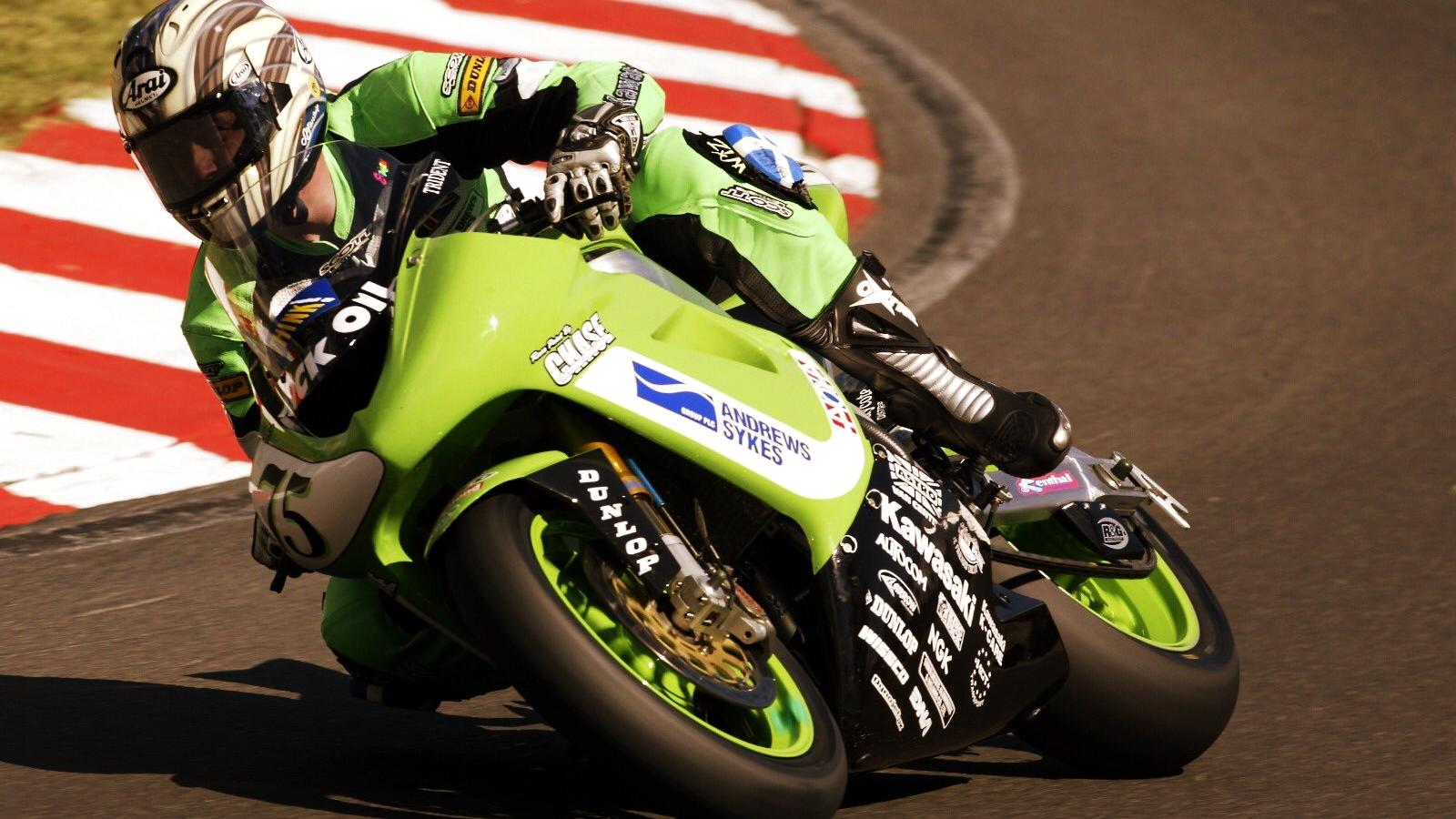John McGuinness ficha por el Bournemouth Kawasaki para la NW200 y el TT de Isla de Man 2020