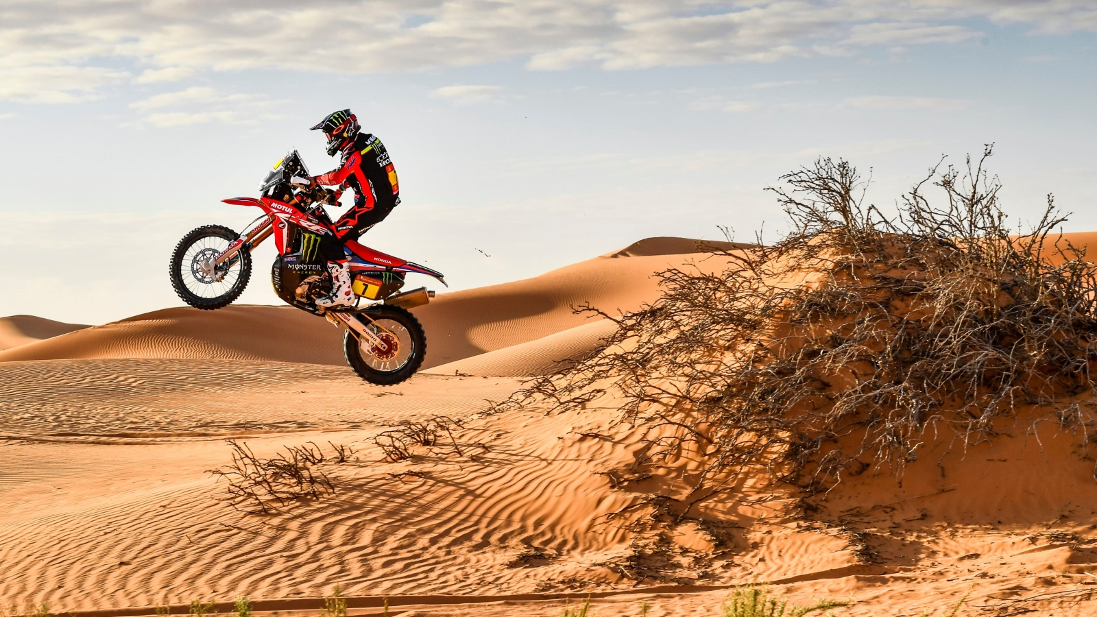 Dakar 2020: Kevin Benavides gana en un día trágico y Joan Barreda se acerca al podio