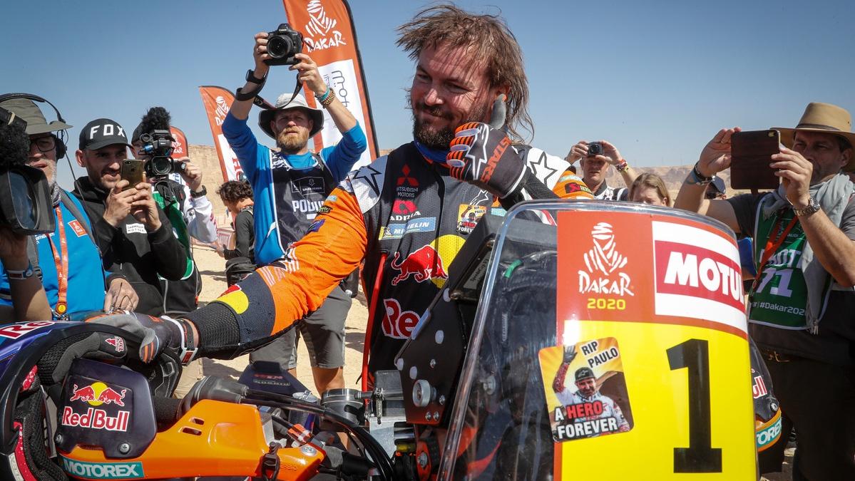 Toby Price, el gigante del Dakar que ha convertido el podio en su vivac particular