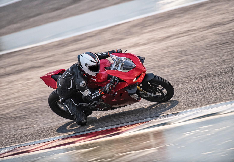 Ducati Panigale V4 S 2020, prueba, ficha técnica y primeras impresiones