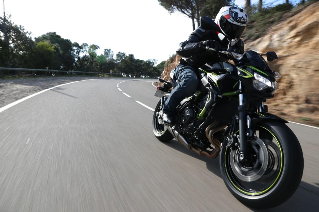 Kawasaki Z650 2020, prueba y primeras impresiones de la renovada naked nipona
