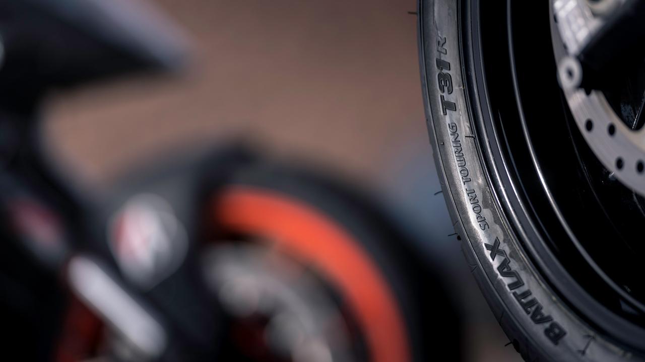 ¿Necesitáis neumáticos para la moto? Atentos a la nueva campaña de Bridgestone