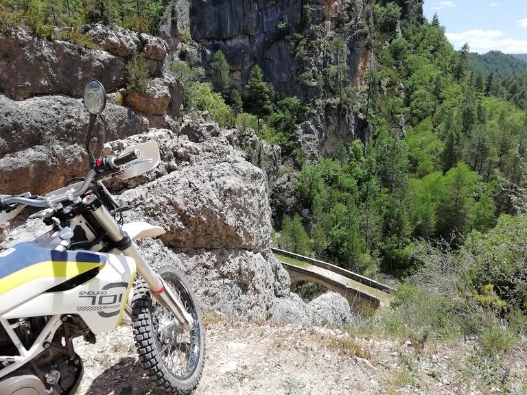Descubriendo la Alcarria y el Alto Tajo con la Husqvarna 701 Enduro