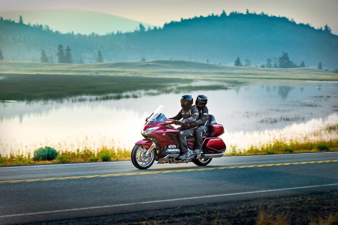 ¡Cierto! Cinco comunidades permiten montar en moto entre sus provincias