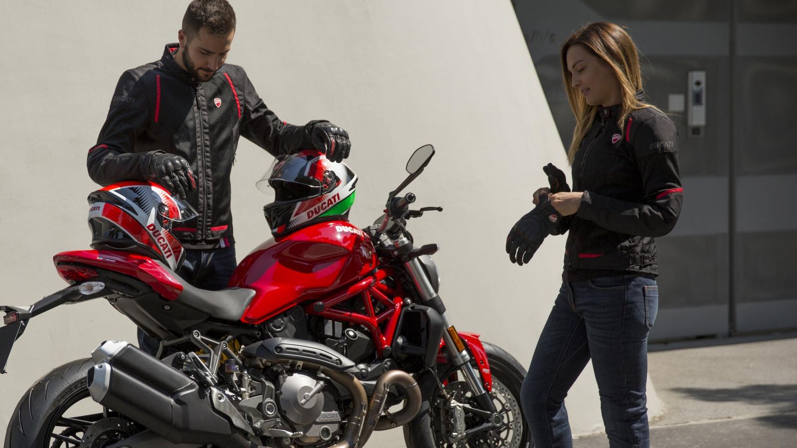 Gama de verano Ducati: Flow C3, Ducati Corse Tex Summer C2, Speed 3 y Downtown C1