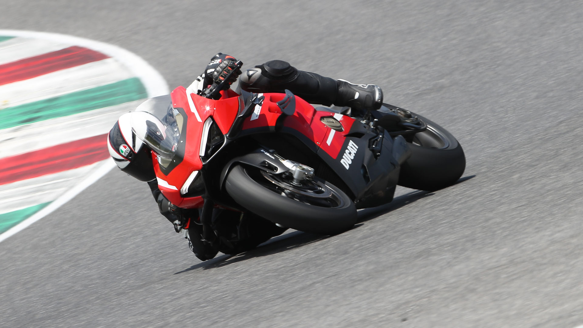 Ducati Superleggera V4 2020, prueba, precio, ficha y primeras impresiones