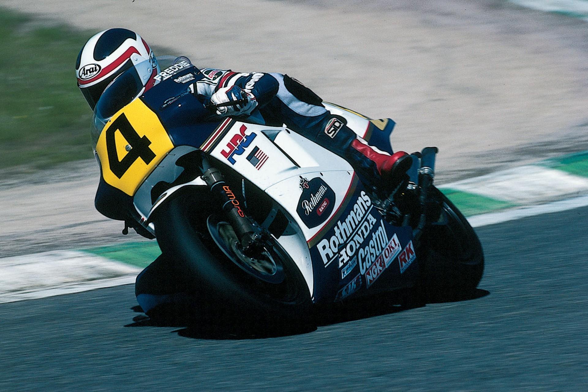 Freddie Spencer, la Honda NSR 500 y los neumáticos radiales