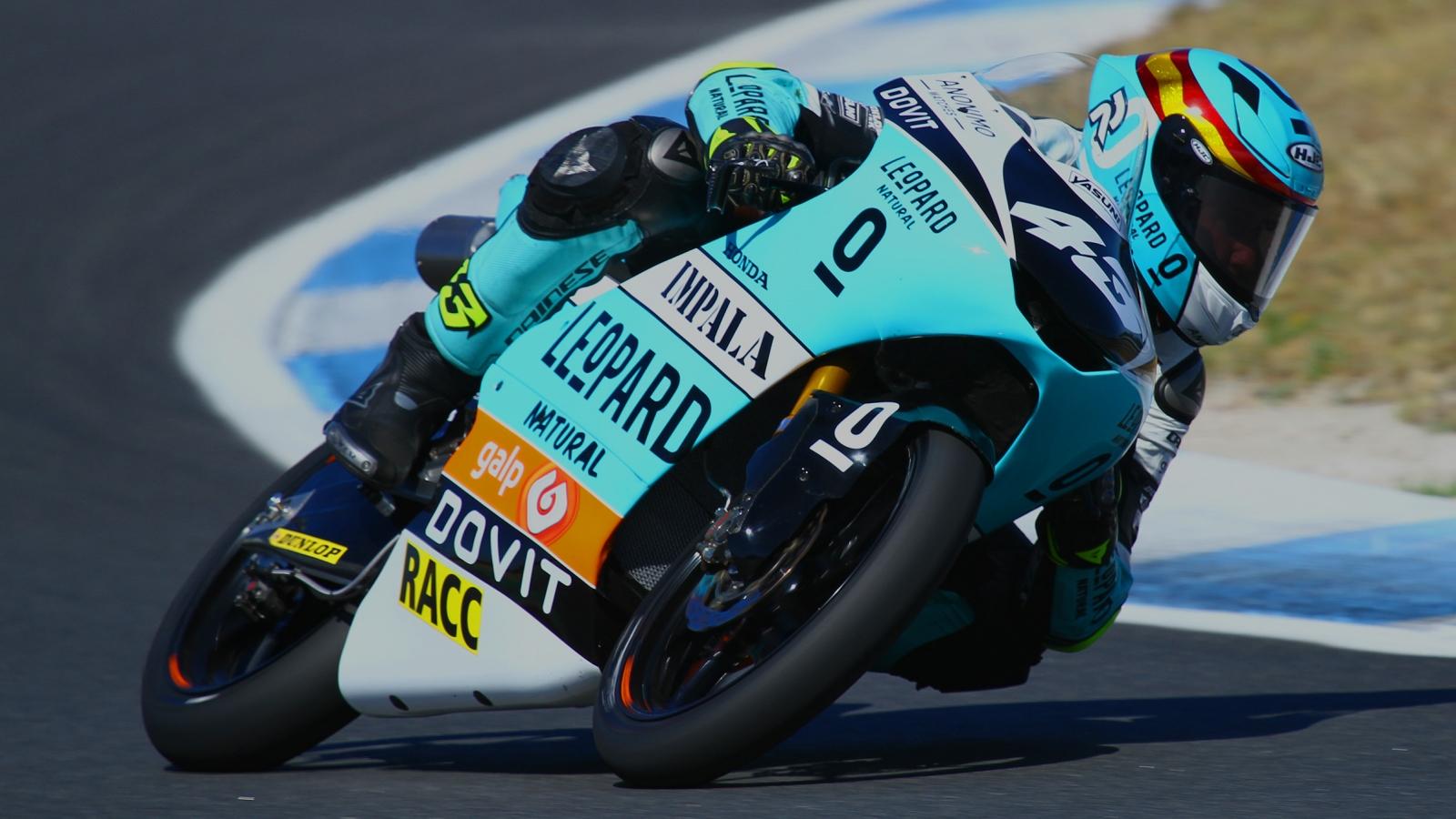 Xavi Artigas bate a Pedro Acosta por tres milésimas y es el primer líder de Moto3 Junior 2020