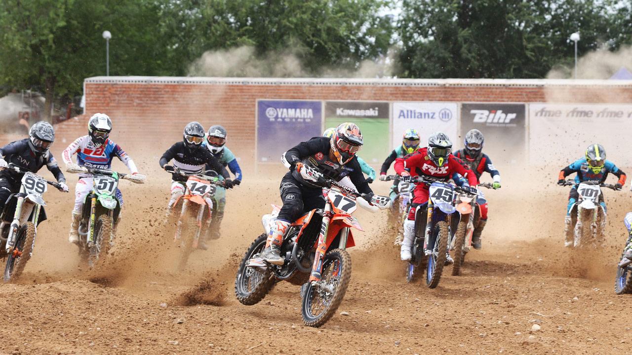 José Antonio Butrón se sitúa líder del Nacional de Motocross