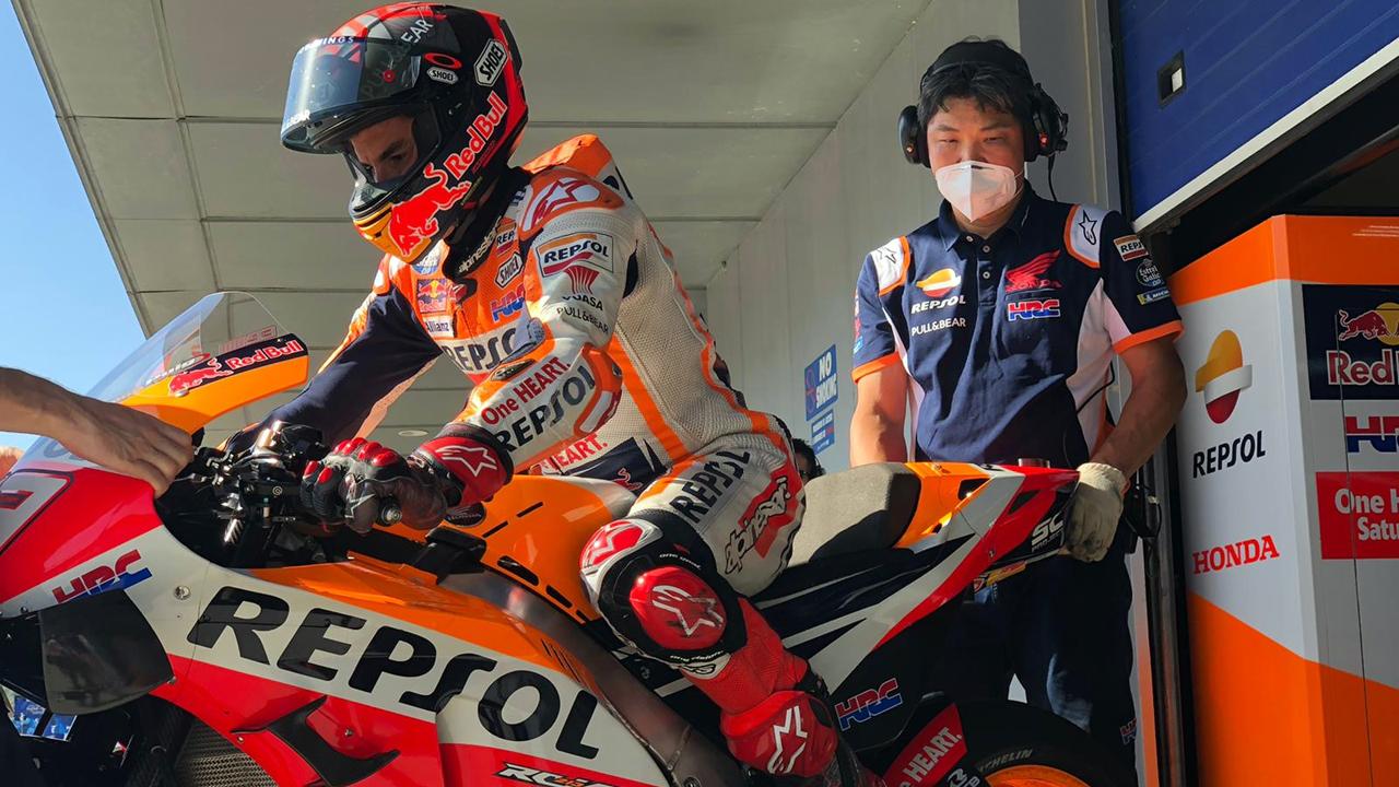 Marc Márquez manda en el reinicio de MotoGP en Jerez