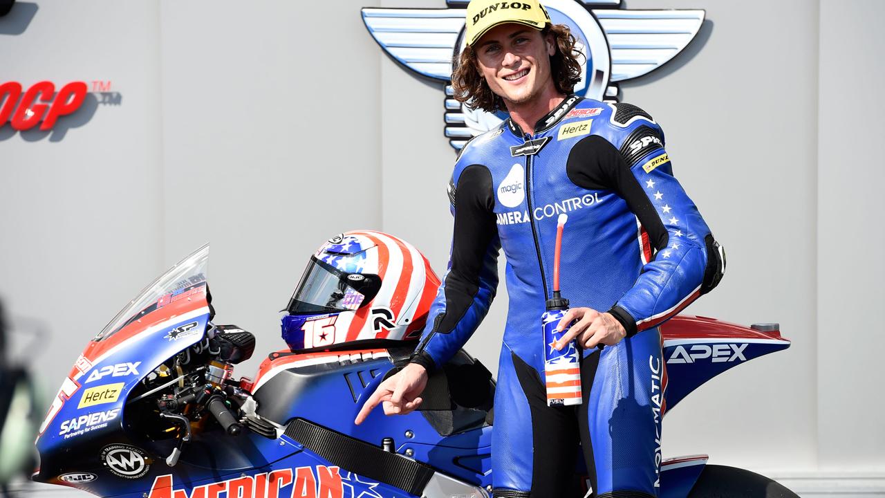 Pole para el 'desaparecido' Joe Roberts en Moto2