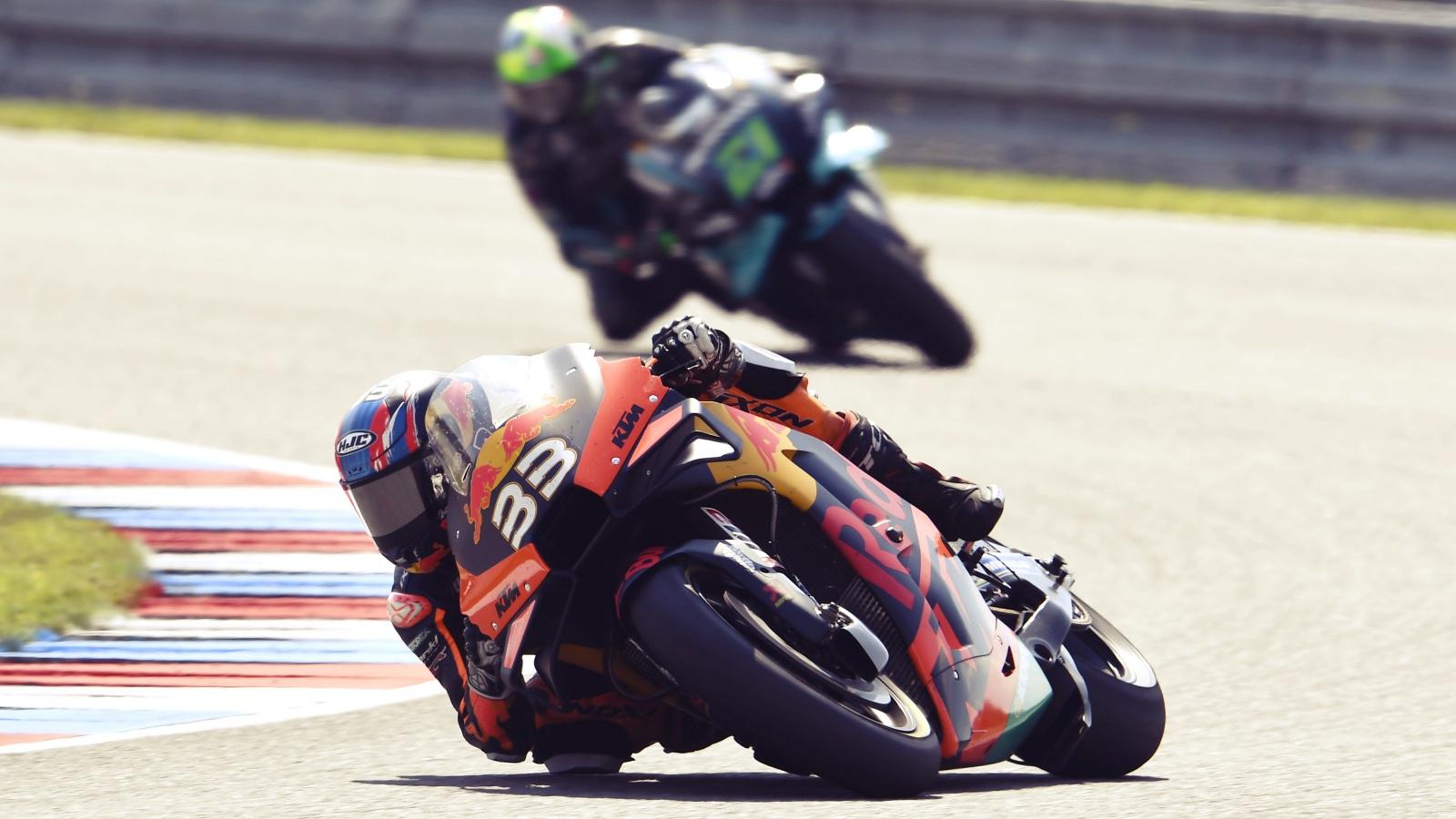 Resumen MotoGP Brno 2020: Protagonistas, estadísticas, clasificaciones, vídeos y fotos