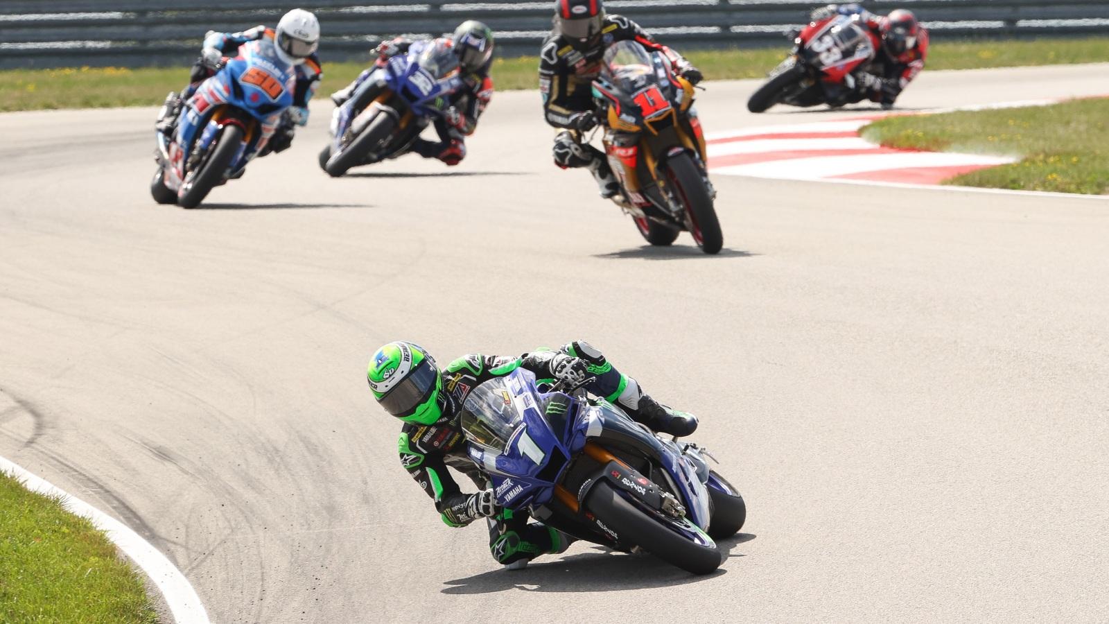 NoTodoMotoGP: Cameron Beaubier sigue arrasando y Honda desafía a Ducati en el BSB