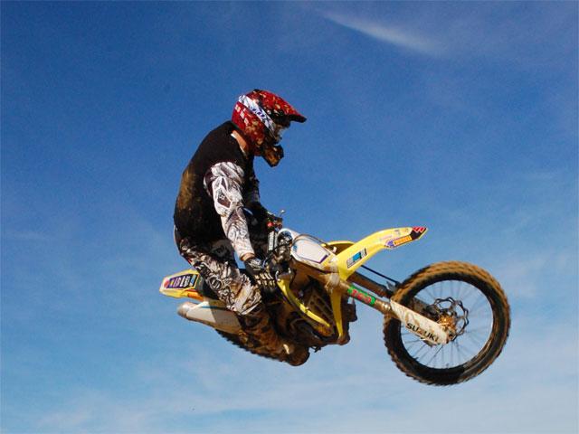 Cursos de Motocross Suzuki Nilsson 2009