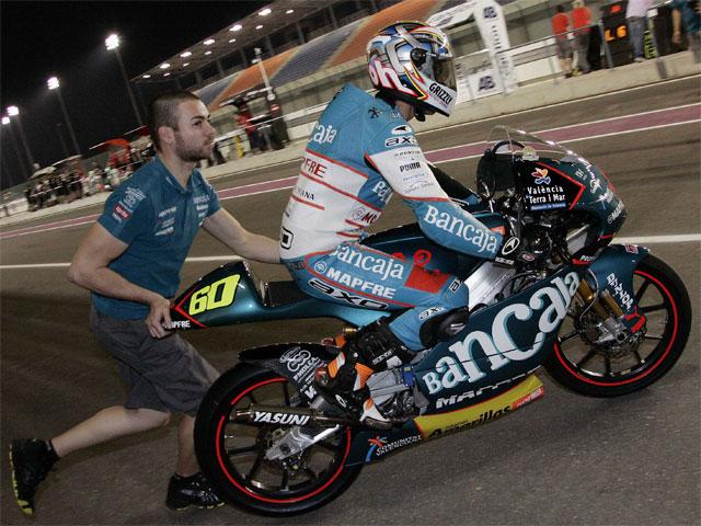 Simón (Aprilia) lidera el primer entrenamiento de Qatar
