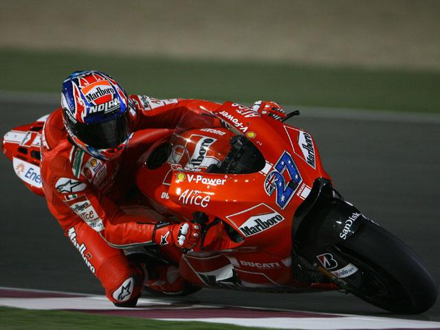 Stoner (Ducati), sensacional en el Circuito de Losail