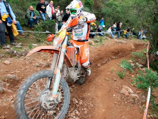 Iván Cervantes (KTM), líder en Enduro 3