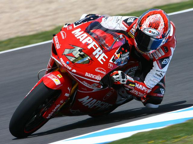 Alvaro Bautista comienza dominando el Gran Premio de España de Jerez