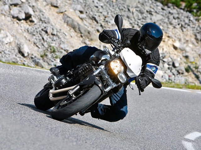 Llévate una BMW F800R con MOTOCICLISMO