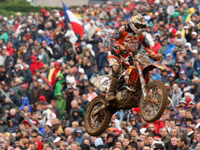 Nagl (KTM) arrasa en el GP de Francia