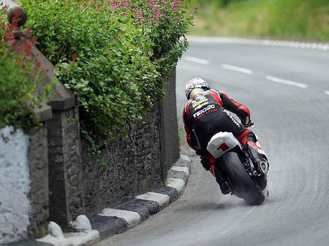 Steve Plater vence la carrera Senior en la Isla de Man