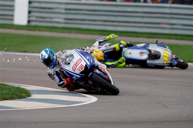 Caídas de Rossi y Pedrosa en el GP de Idianápolis