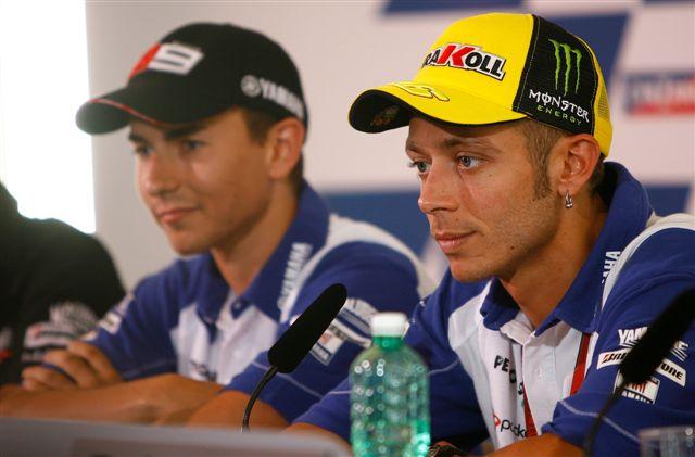 """Rossi: """"Yamaha deberá elegir entre Lorenzo y yo a finales de 2010"""""""