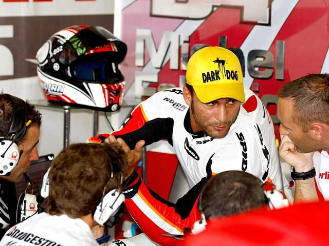 Mattia Pasini, encantado con la Ducati Desmosedici de MotoGP