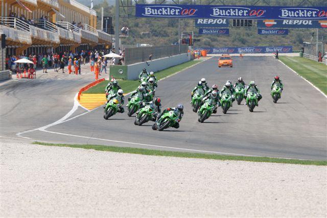 Kawasaki Ninja Cup 2010, calentando motores