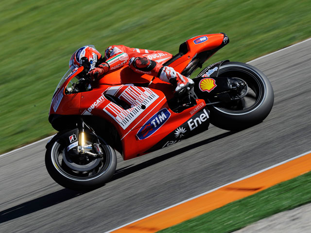 Stoner, Lorenzo y Rossi, los más rápidos en el test de Valencia