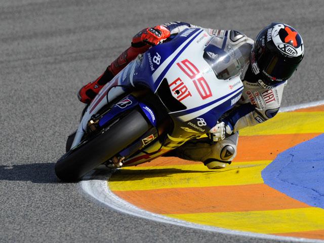 Jorge Lorenzo mejora el tiempo de Stoner en los test de Valencia