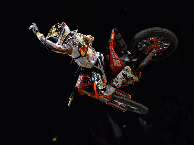 Marvin Musquin se impone en el Supercross Solidario de Madrid