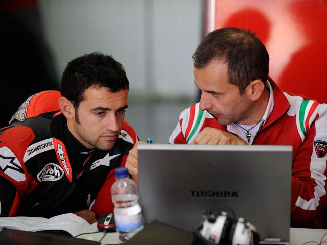 Héctor Barberá entrena con la Ducati Desmosedici en Jerez