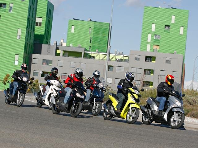 Qué moto comprar: Scooter 125 de rueda alta