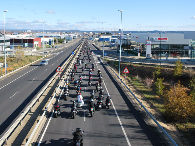 Manifestación motera contra los guardarraíles en León