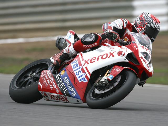 Haga y Fabrizio tendrán nueva estructura en el Ducati Xerox Team de SBK