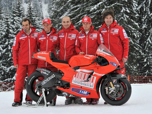 Presentación de la Ducati Desmosedici GP10 de MotoGP