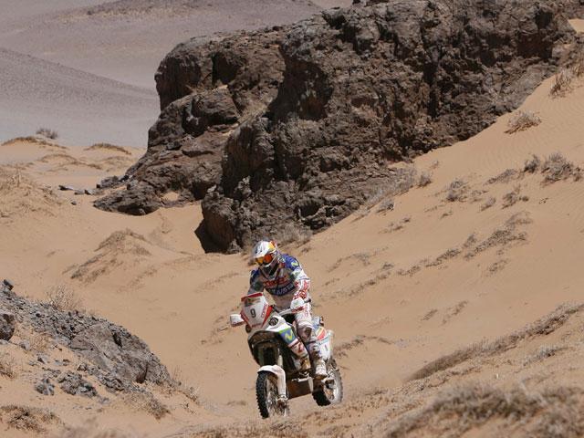 """Chaleco"" López logra la victoria en la etapa 12 del Dakar 2010"