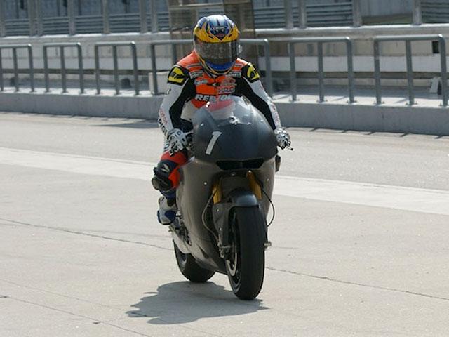 Los entrenamientos de MotoGP, inaugurados por los probadores