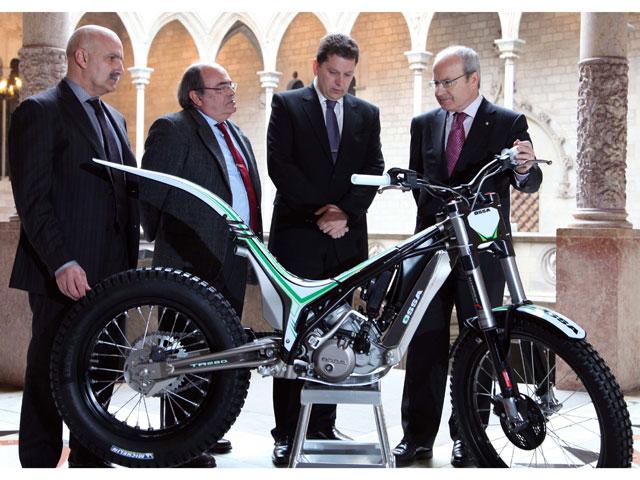 Ossa Factory da a conocer su proyecto al Presidente de la Generalitat