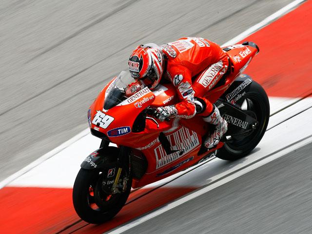 Dominio de Valentino Rossi; Nicky Hayden sorprende