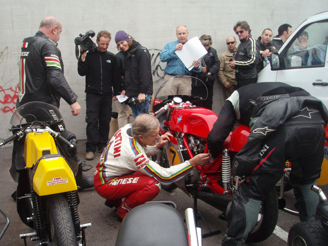 Giacomo Agostini, Phil Read y Joan Garriga, en Cullera