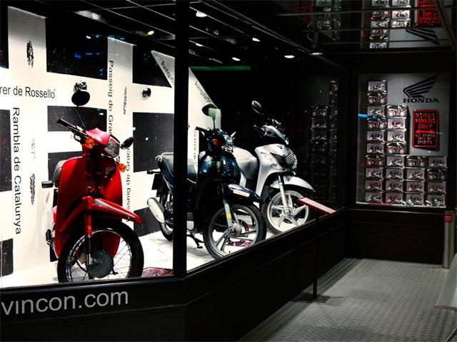Honda Scoopy, homenajeado por la tienda Vinçon de Barcelona