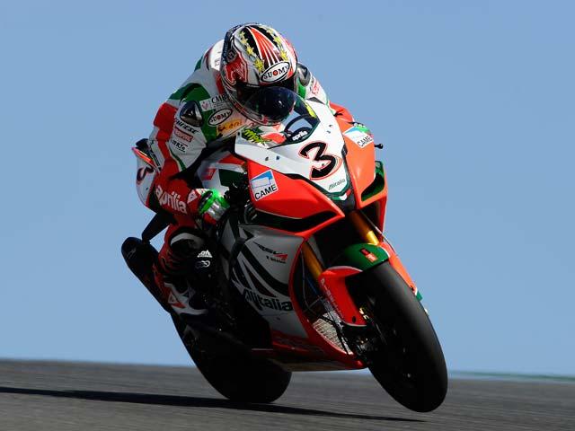 Max Biaggi se adjudica la primera carrera de Superbike en Portimao