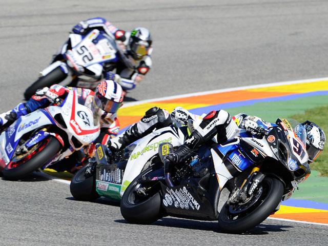 Haslam se hace con la victoria de Superbike en Valencia